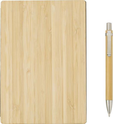 Anteckningsbok med omslag av bambu